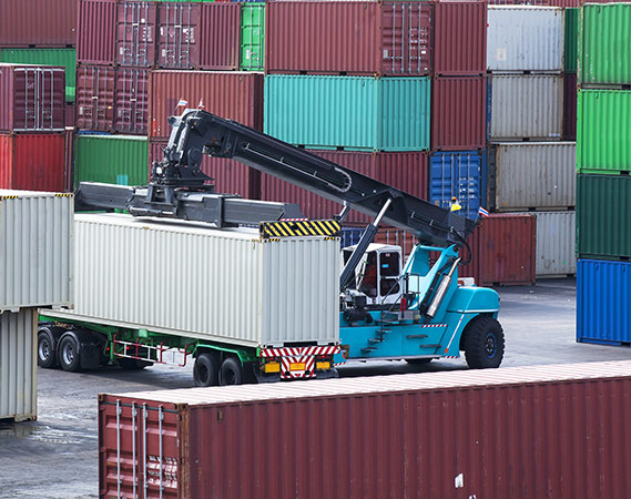 konteineru pārvadājumi